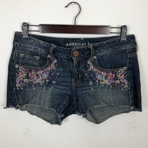 AEO Embroidered Floral Cut Off Jean Shorts Size 2